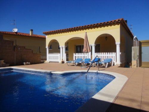 Achat maison avec piscine sur le bord de mer en Espagne